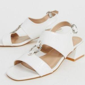 Wide fit size 9 white crocodile texture sandals